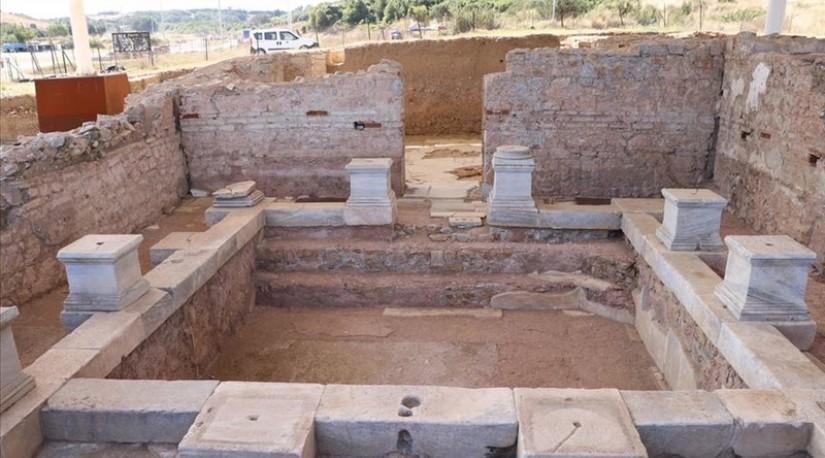 Археологи нашли 1900-летнюю могилу женщины-врача в Турции
