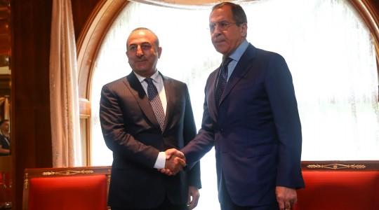 Главы МИД России и Турции обсудили подготовку межсирийских переговоров