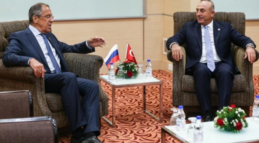 Главы МИД России и Турции обсудили подготовку к переговорам в Астане