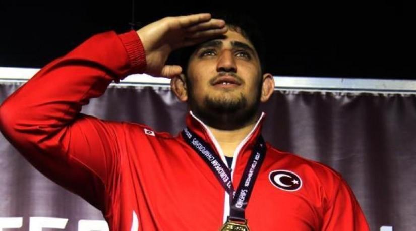 23-летний турецкий борец завоевал