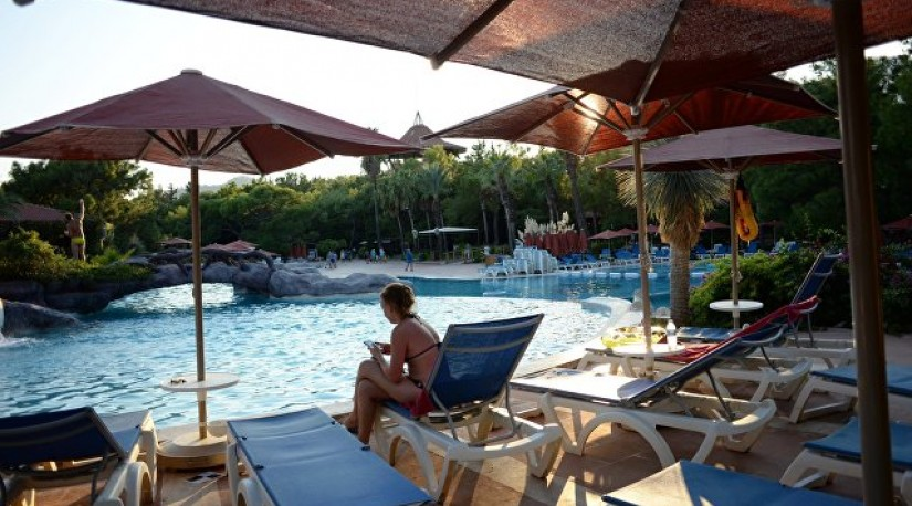 Турция переносит начало туристического сезона из-за коронавируса