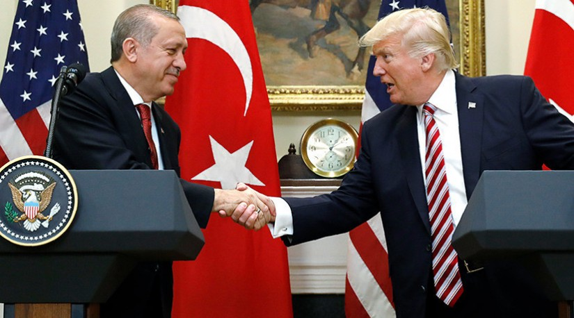 «Внешнеполитическое одобрение»: почему Турция поддержала удары западной коалиции по Сирии