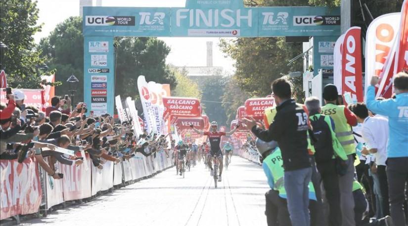 Награждены победители велотура TUR 2017
